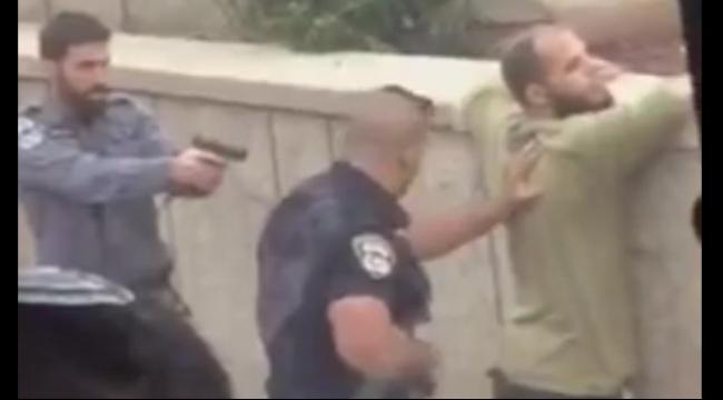 طبريا: تفتيش شاب عربي بشكل مهين واقتياده للشرطة