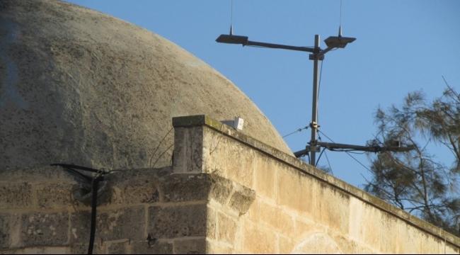 الاحتلال يزيل كاميرات مراقبة نصبتها الأوقاف الإسلامية