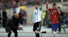 مدرب تشيلي: أرغب بتدريب ميسي وبايرن فريقي المفضل