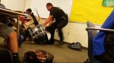 (فيديو) أميركا: شرطي ينكّل بطالبة رفضت الخروج من الصف