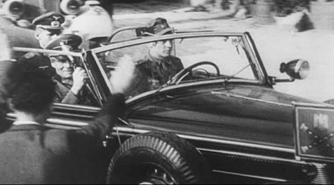 """سيارة الجنرال رومل """"ترابط"""" تحت الأرض في تونس"""