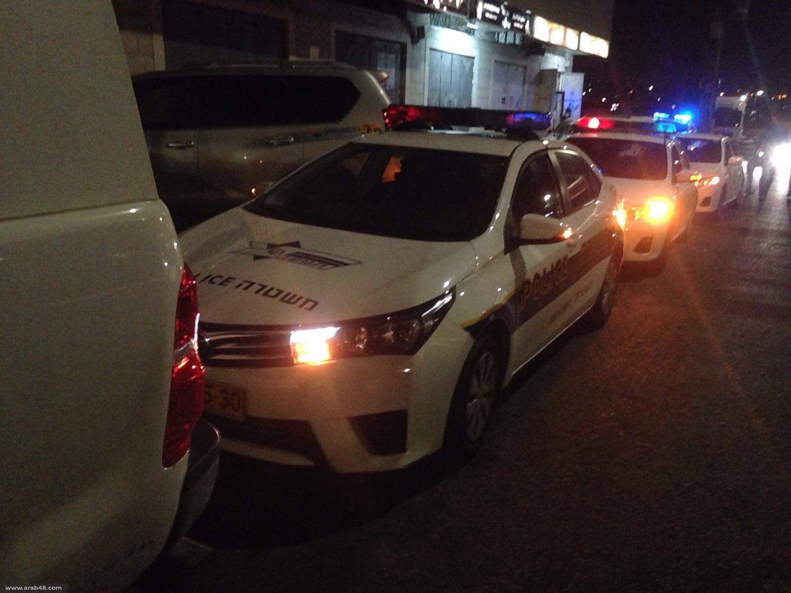 يافة الناصرة: إصابة امرأة وابنتها بإطلاق نار أمام قاعة أفراح