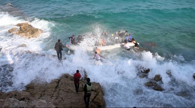 غرق قارب يحمل 150 لاجئا قبالة جزيرة يونانية