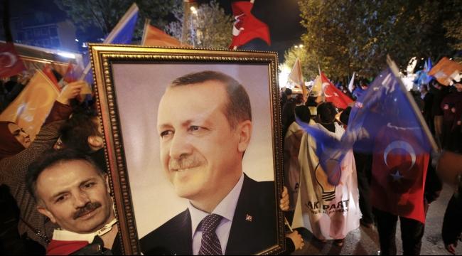 نبض الشبكة: الديمقراطية بتركيا والعرس عنا