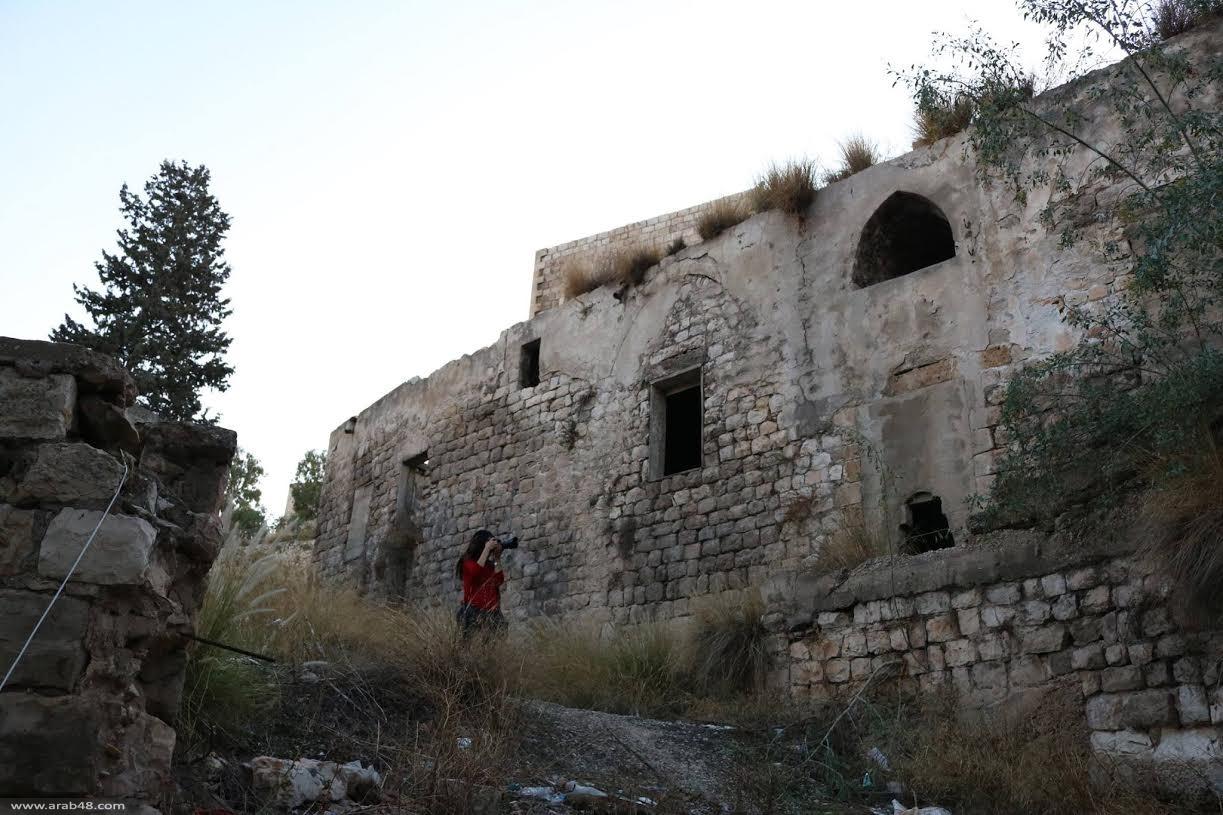 حيفا: مركز حملة ينظم جولة تصويرية توثيقية في وادي صليب