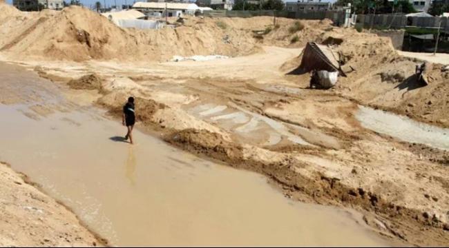 انهيار أرضي كبير في المنطقة الحدودية بين غزة ومصر
