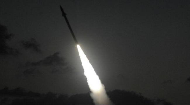 """سقوط صاروخ في منطقة مفتوحة بمستوطنات """"شاعار هنيغف"""""""