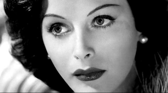 """هيدي لامار... ممثلة اخترعت الـ """"واي فاي"""""""
