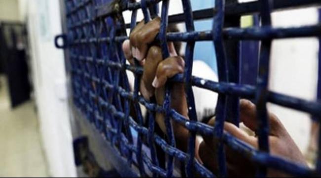 الاحتلال يمدد اعتقال 3 أسرى جرحى لـ 4 أيام