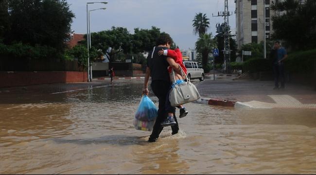 النقب: إغلاق شارع بسبب الفيضانات