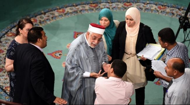 البرلمان التونسي يقرأ الفاتحة على روح بوحيرد!