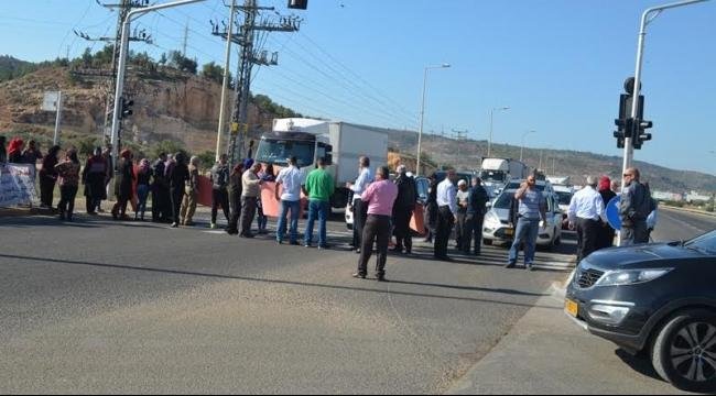 البعنة ودير الأسد: إغلاق شارع 85 بسبب تأجيل منح الامتيازات الضريبية