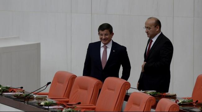 إردوغان يكلّف داود أوغلو تشكيل الحكومة رسميًا