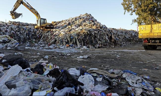 """لبنان: الزبالة تتكدّس منذرة بـ""""نتائج كارثيّة"""""""