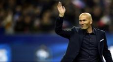 زيدان يعلق على شائعات خلافة بينيتيز في ريال مدريد