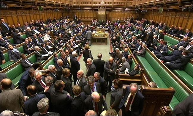 البرلمان البريطاني يناقش شن غارات جوية على داعش في سورية