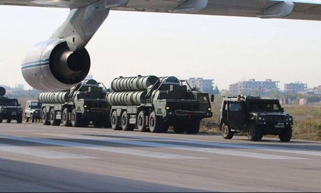 """""""الجيش الإسرائيلي يستعد لصواريخ أس 400 ولفتى يحمل السكين"""""""