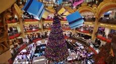 فرنسا تهزم الإرهاب بـ 6 ملايين شجرة كريسماس