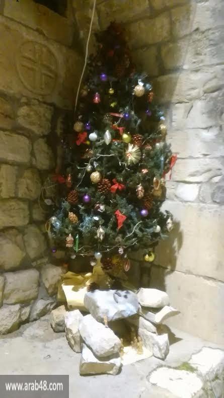 إقرث المهجرة تضيء شجرة الميلاد وتنتظر ميلاد العودة