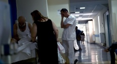 ثلث اليونانيين يدفعون رشاوى لتلقي العلاج