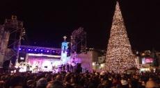 الناصرة: عشرات الآلاف يحتفلون بإضاءة شجرة الميلاد