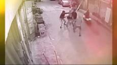 شاهد: سطو مسلح بالسيوف في وضح النهار