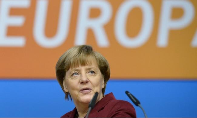 ميركل تنوي خفض عدد اللاجئين في ألمانيا وتشدد على الحل الأوروبي
