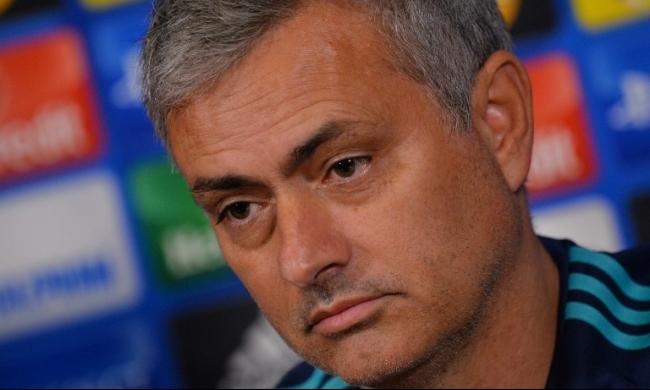 مورينيو ينتظر مكالمة بيريز للعودة إلى ريال مدريد