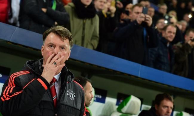 المدرب فان غال خاشٍ على منصبه بعد النتائج الأخيرة