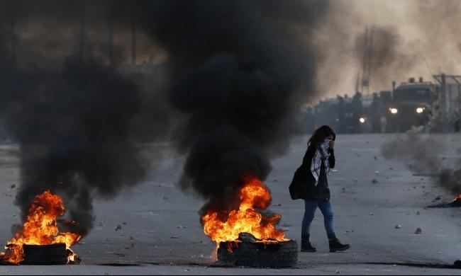 نقابة الصحافيين تدين اعتداء الأمن الفلسطيني على الصحافيين