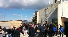 إقرث: المئات يحتفلون بالميلاد على أرض القرية