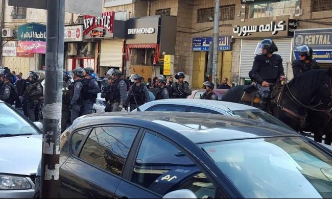 الاحتلال يهاجم سلسلة بشرية في القدس المحتلة