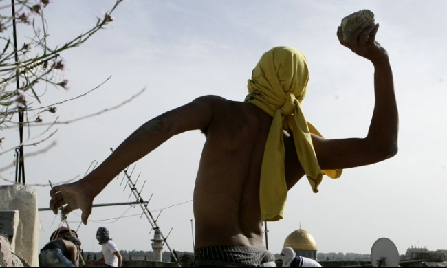 اعتقال 3 أولاد وفتى بادعاء إلقاء حجارة بشمال البلاد