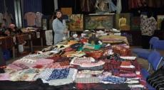 الأشغال اليدوية.. أمل الفلسطينيات للتخلص من الفقر
