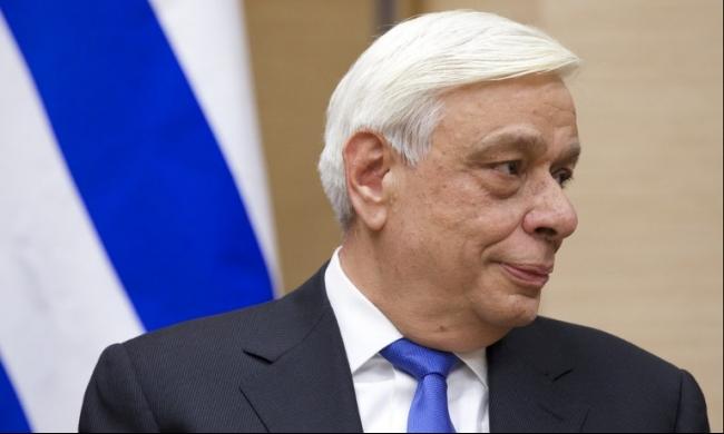 الرئيس اليوناني يبحث في ألمانيا أزمة اللاجئين وإصلاحات أثينا