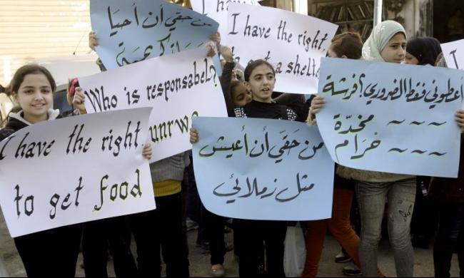 هيئات فلسطينية تطالب الأونروا إعادة الخدمات الصحية للاجئين بلبنان