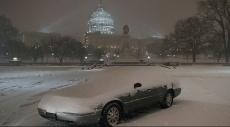 الثلوج تغطي واشنطن بطبقة قياسية