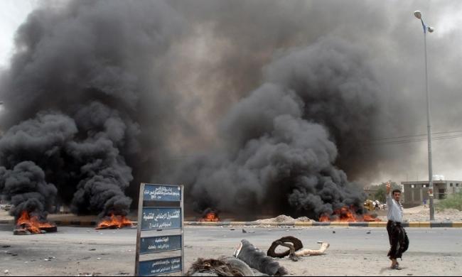 اليمن: تنظيم القاعدة يفجر مركزًا للشرطة