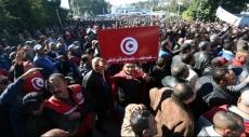 تونس: الآلاف من عناصر الأمن يتظاهرون أمام القصر الرئاسي