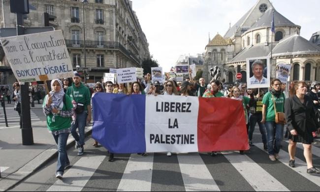 نحو نصف الأوروبيين: إسرائيل تشن حرب إبادة ضد الفلسطينيين