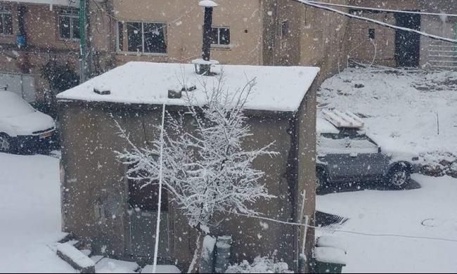 الثلوج تكسو الجليل الأعلى وعدم انتظام التعليم بعدة مدارس