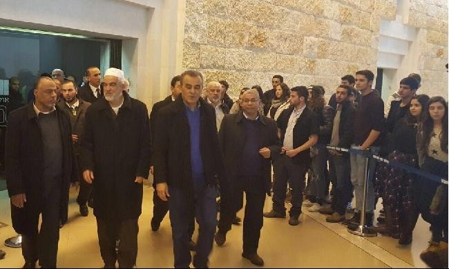 زحالقة يستجوب حول منع قادة الإسلامية من السفر