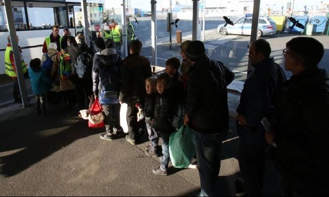 السويد تدرس إعادة 80 ألف لاجئ إلى بلادهم