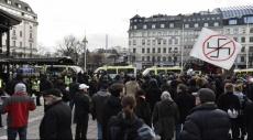 السويد: عشرات الملثمين يهاجمون اللاجئين