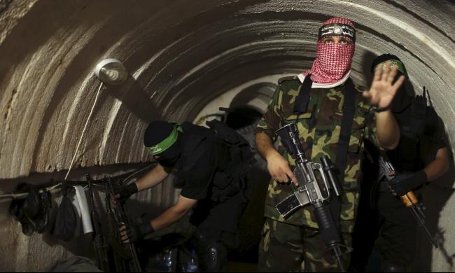 غزة: استشهاد فلسطيني ثان بانهيار نفق بالأمس