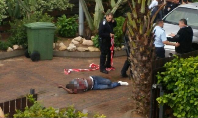 عسقلان: وفاة المشتبه بتنفيذ عملية الطعن متأثرًا بجراحه