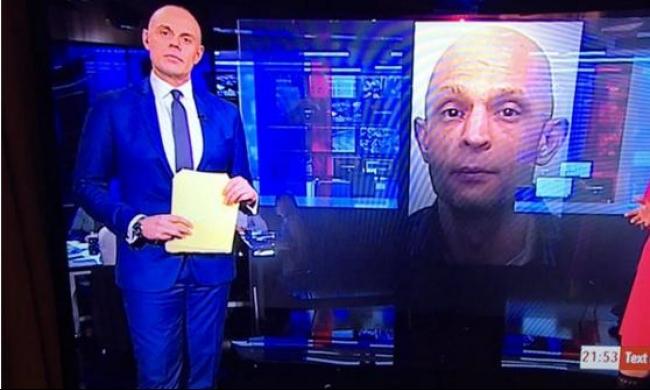 """صورة مجرم تحرج مذيع """"بي بي سي"""" على الهواء"""
