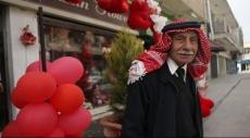 حاجز التقاليد يعيق احتفال عشاق الأردن بعيد الحب