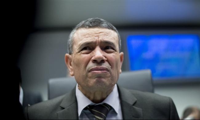 الجزائر تسعى إلى اتفاق يرفع أسعار النفط