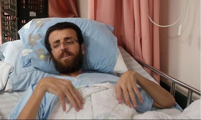 القيق يواصل الإضراب بعد رفض نقله إلى رام الله